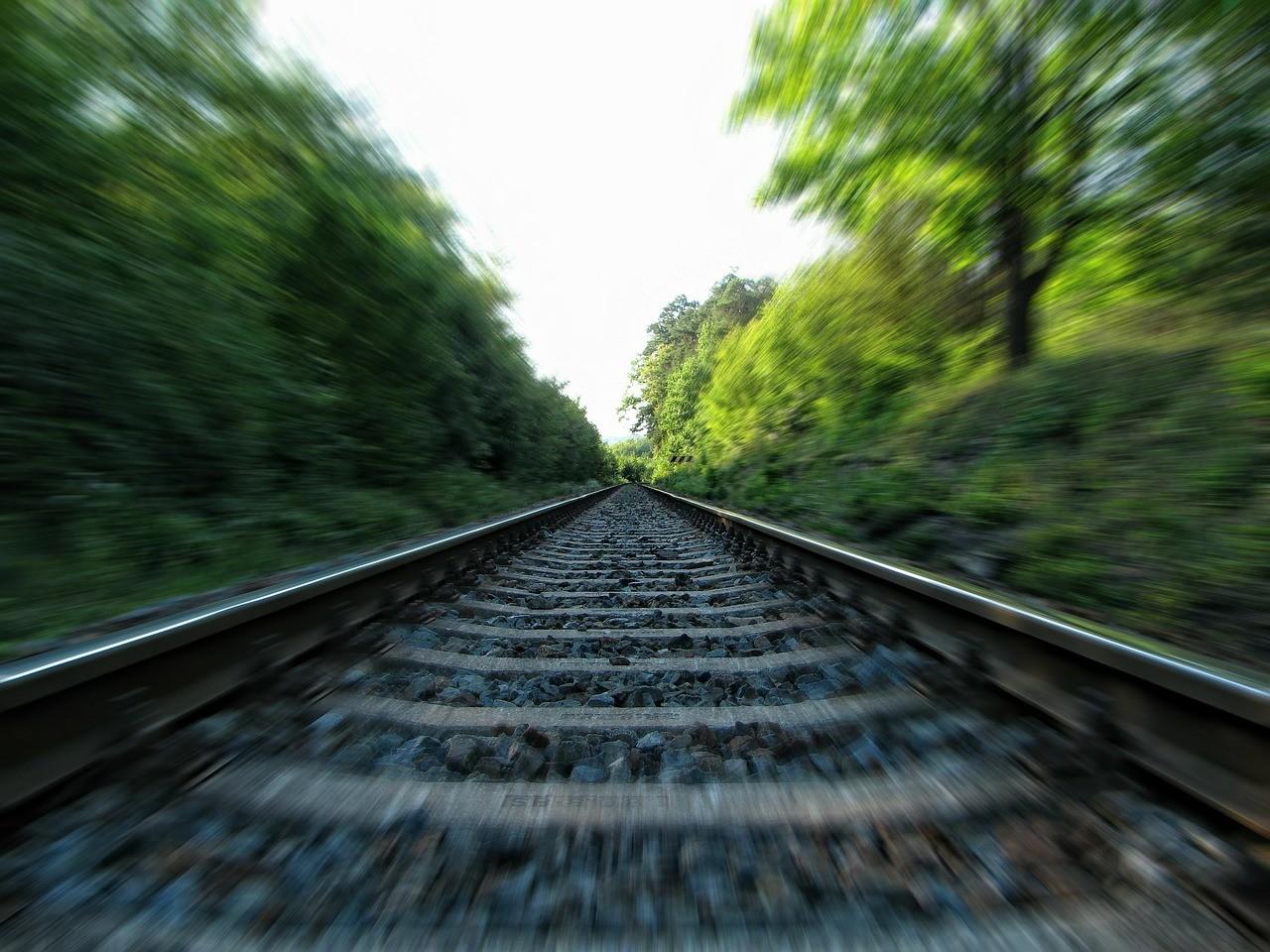 rails-253134_1280