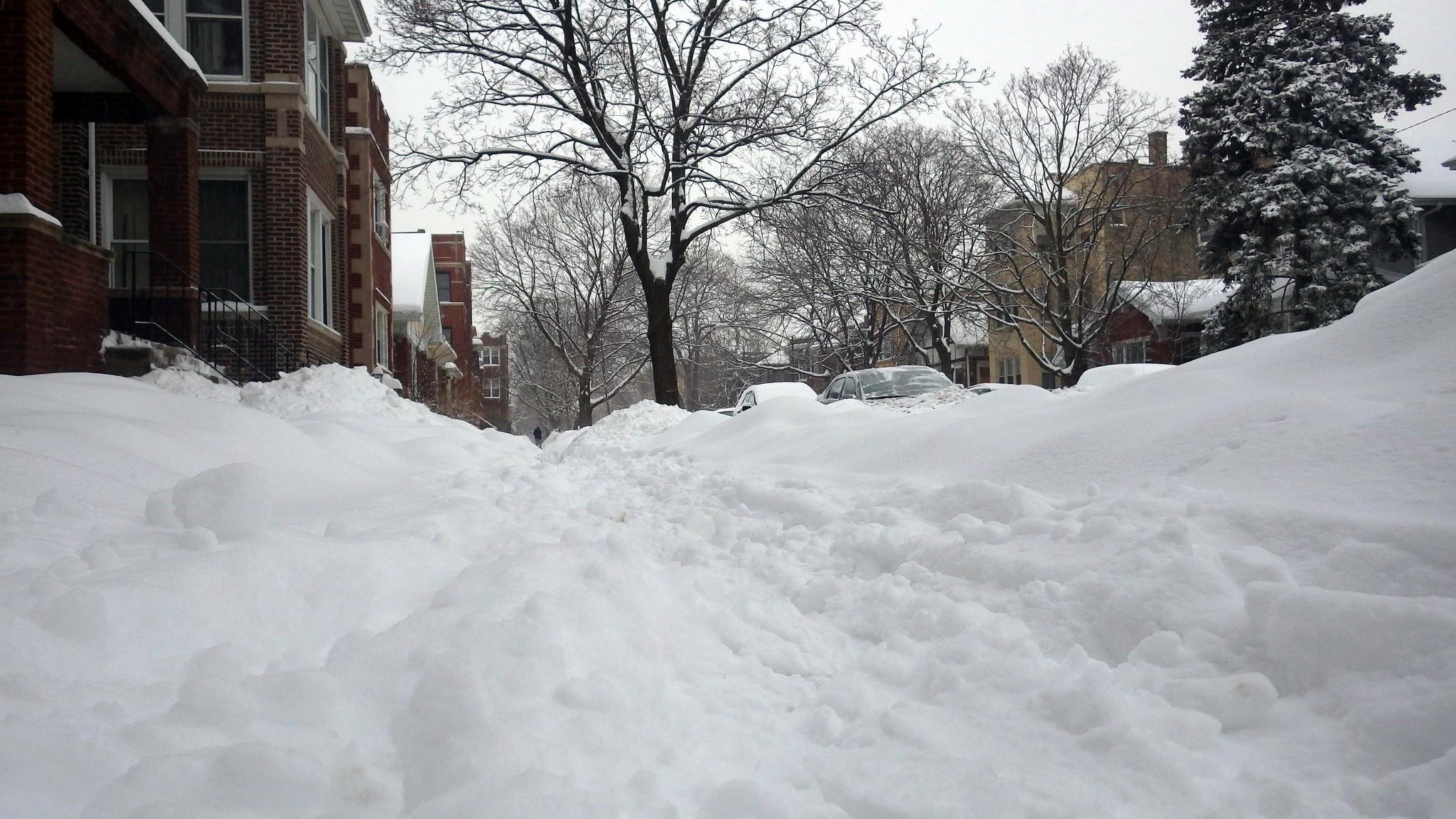 Write a list explaining how to prepare for a snow storm.