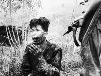 1454603508_259932_by_Gary_Johnston_565px-Terrorist_in_Malaya