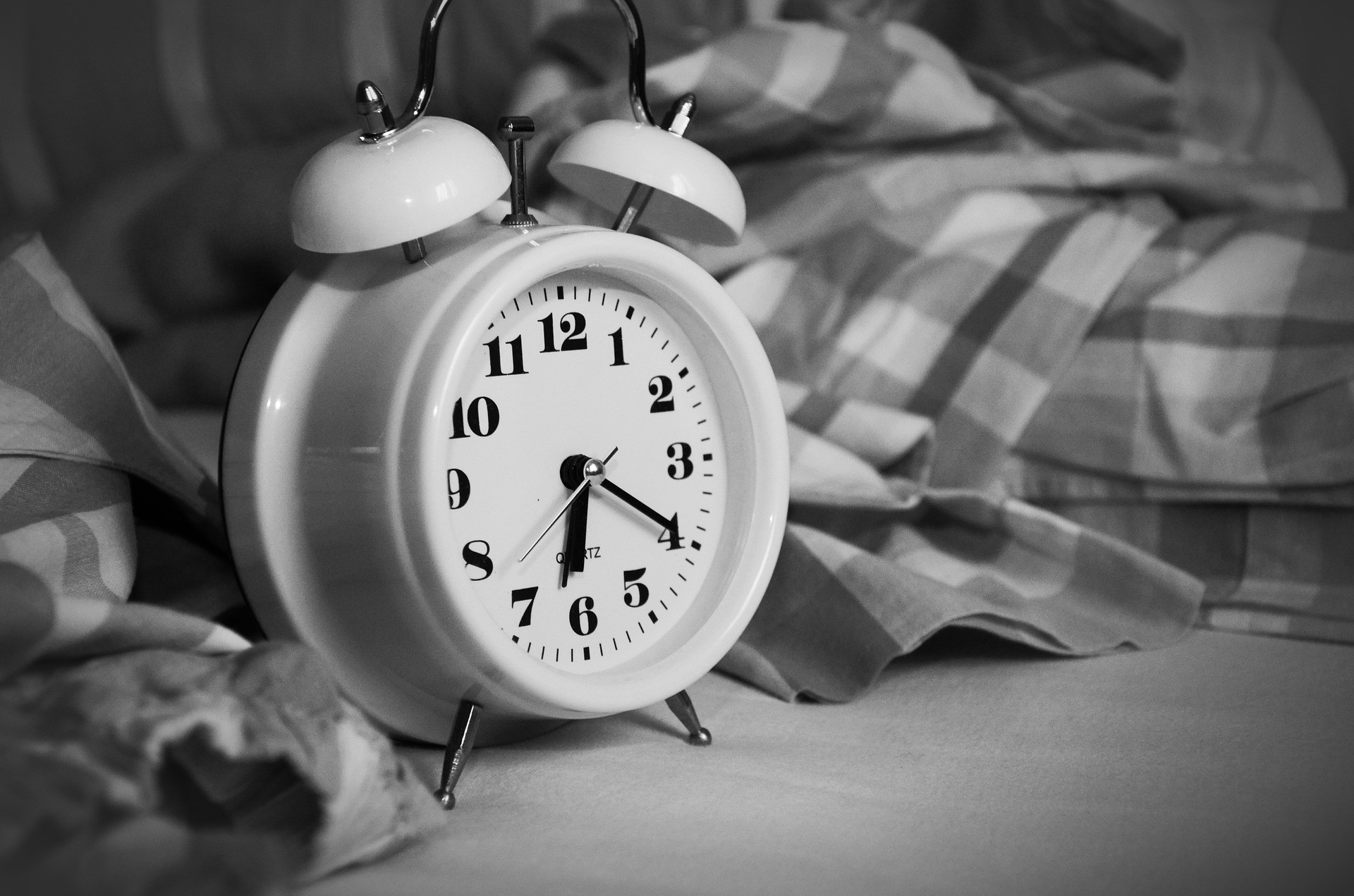 Write a haiku about waking up in the morning.