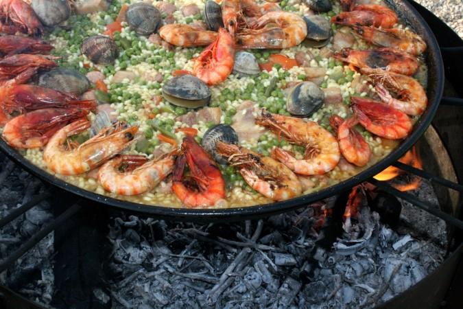 ¿Cuales comidas comes para celebraciones especiales? Descríbelas con detalle.