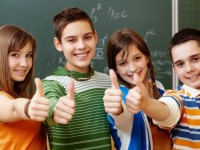 classmates-with-the-thumb-up-in-a-classroom_1098-1243