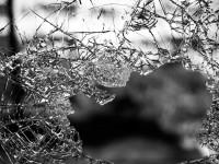 glass-984457_1920