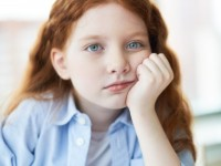 tired-girl-at-school_1098-459