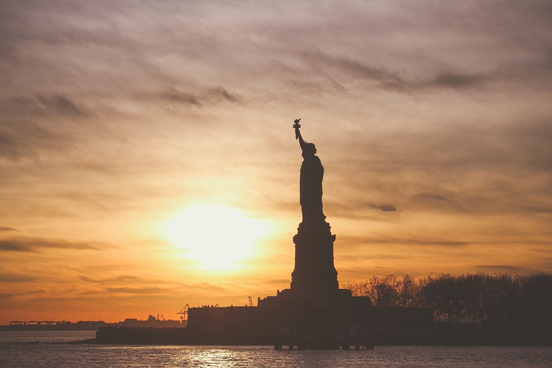 15410912889493537_by_hans3595_statue-of-liberty-1210001_1920