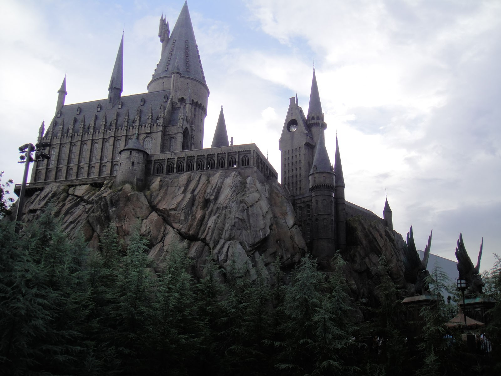 Wizarding_World_of_Harry_Potter_-_Hogwarts_(5013550261)