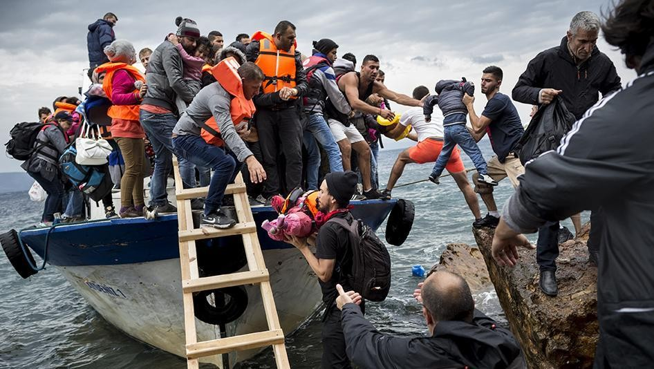 15452390889718987_by_davidpjburns@gmail.com_2015-eca-eu-refugees-opening-2