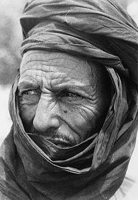200px-COLLECTIE_TROPENMUSEUM_Portret_van_Sidi_Amed_een_Tuareg_vluchteling_uit_Mali_te_Dori_TMnr_20010117