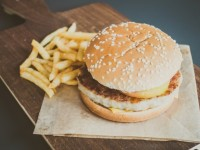 15858664754650273_by_joannavr123_hamburger-and-french-fries_1203-2529